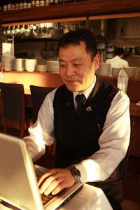 サイト運営を担当している、マネージャーの奥村さん